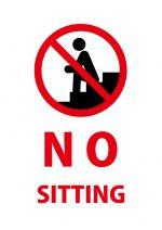 英語の座ること(階段)を禁止する注意貼り紙テンプレート