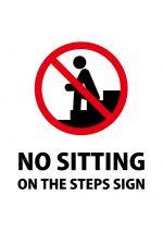 英語の段差に座ることを禁止する注意貼り紙テンプレート